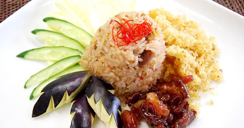 カーオ・パット・ナムプリック・ロンルア(ナムプリック・ロンルアの炒めご飯)ข้าวผัดน้ำพริกลงเรือ