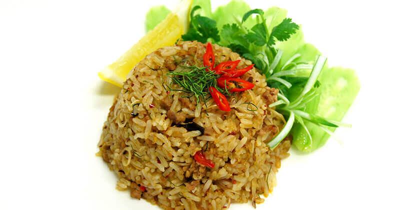 カーオ・パット・ジェオボーン(ジェオボーンの炒めご飯)ข้าวผัดแจ่วบอง